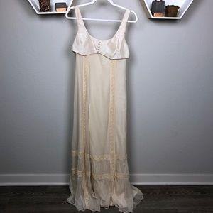 BCBGMAXAZARIA | Maxi Dress Cream silk & lace